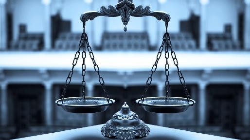 Суды, адвокаты